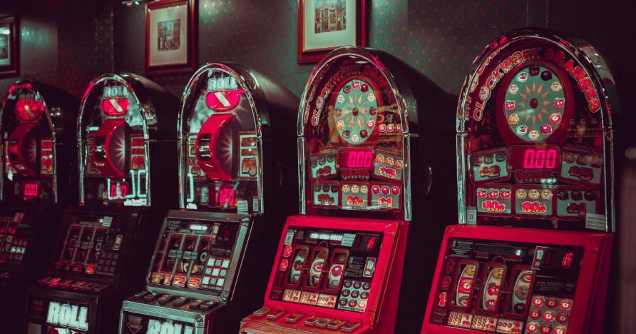 Microgaming Lisäys Itsenäinen taiteellinen Verkko ja rikkoa da Bank Jatko