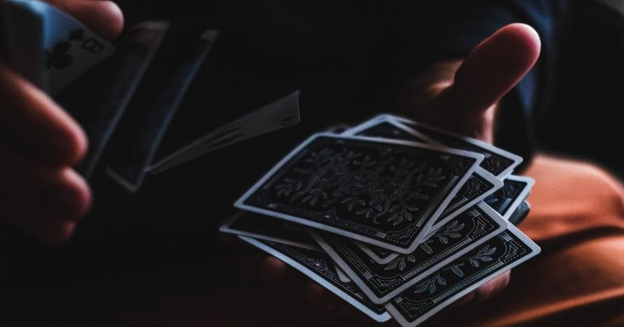 Aloittelijan opas Bluff Pokerissa