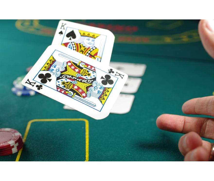 Pelaa Three Card Poker verkossa -Suosituimmat 48 eniten maksavaa Nettikasinoä 2021